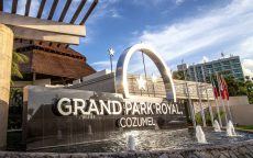 The entrance of Grand Park Royal